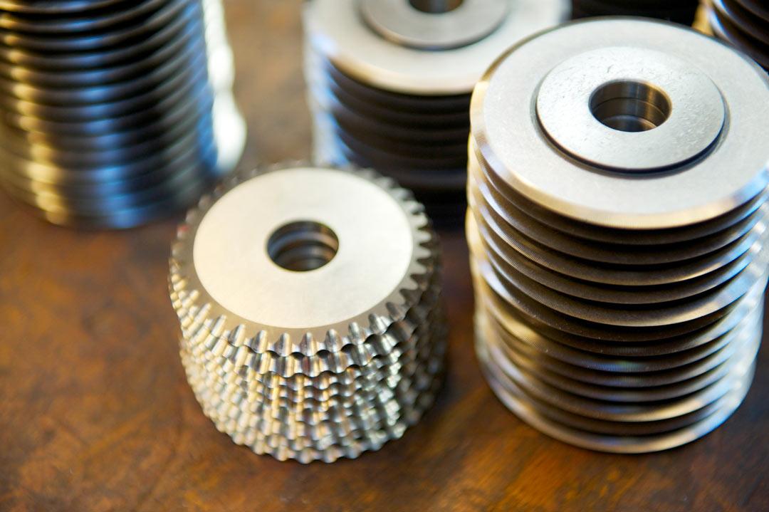 BKS : Une gamme complète de couteaux pour l'industrie du refendage